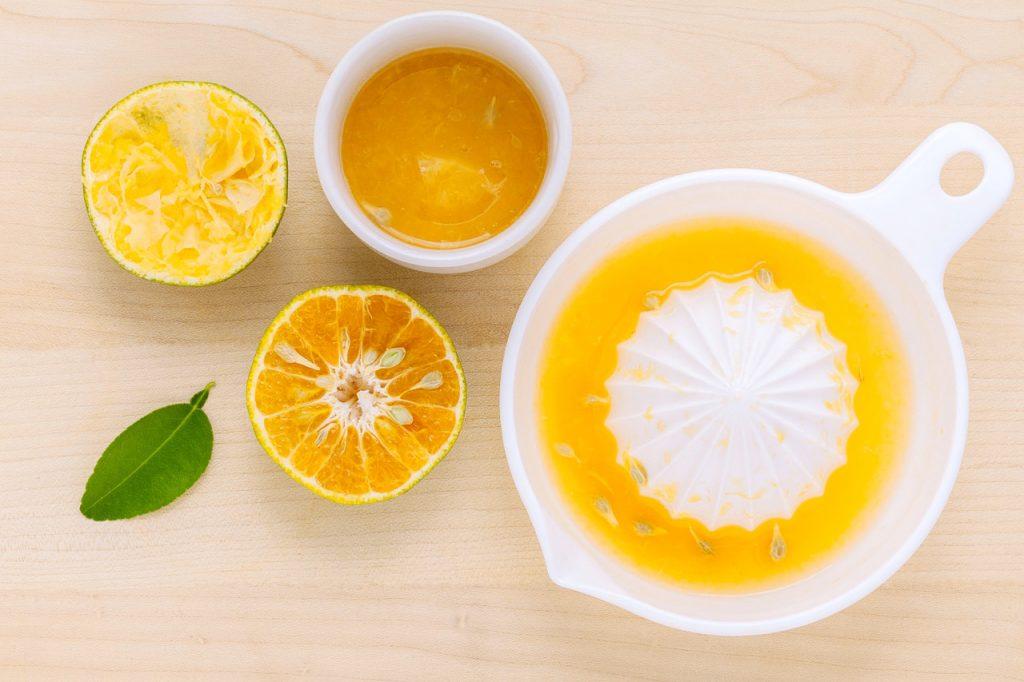 секое утро да пиете топла вода со лимон